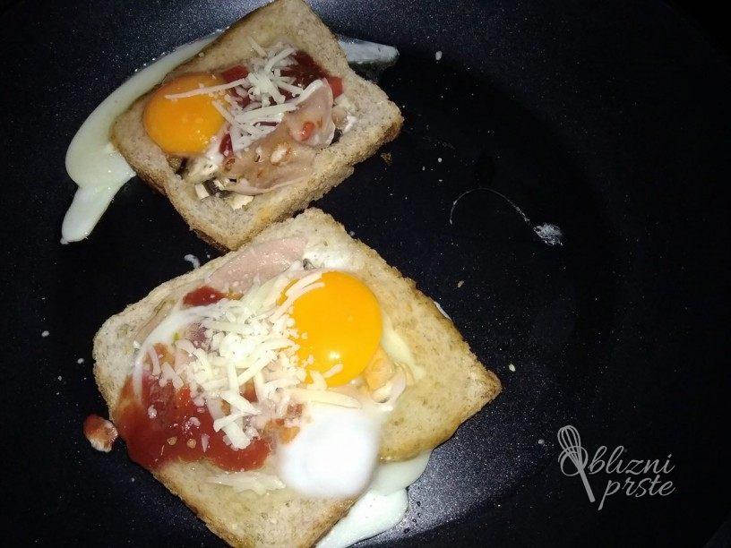 Preprost in socen pica toast