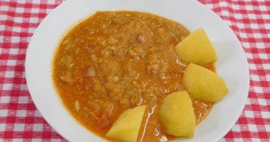 Kumare v omaki s kranjsko klobaso