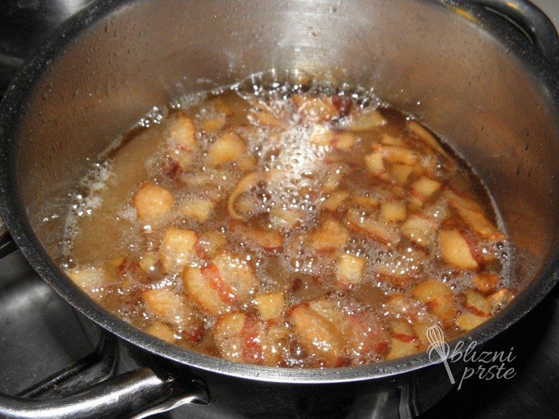 Regratova solata z domačo slanino 6
