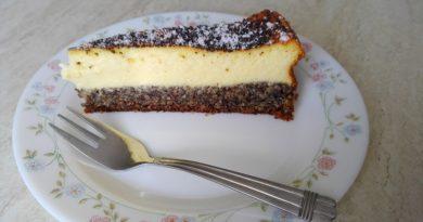 skutina torta z makom in mandlji