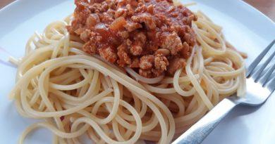 bolognese-omaka-s-puranjim-mesom