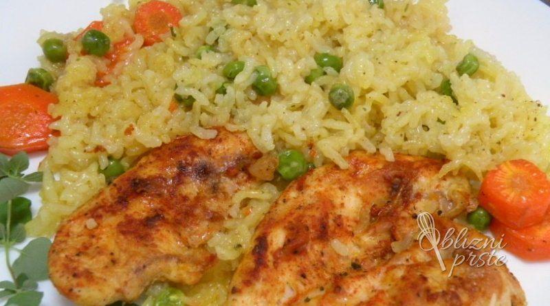 zelenjavni-riz-s-piscancem-iz-pecice