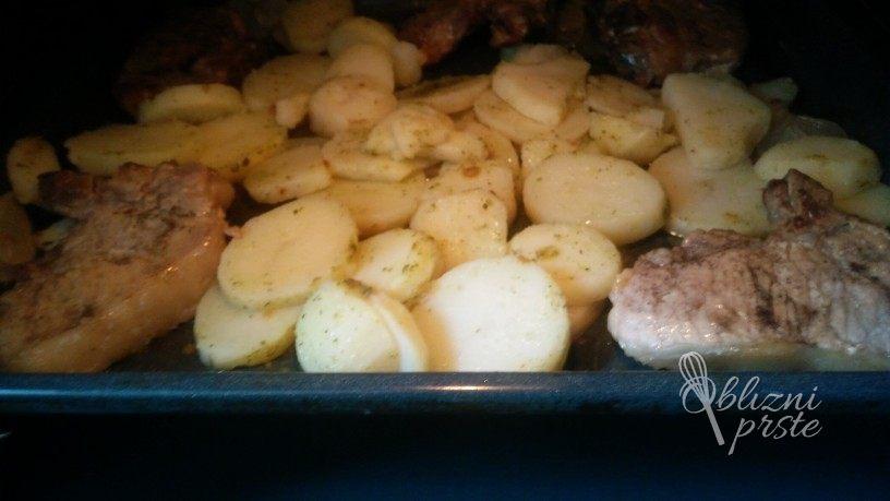 kotleti s krompirjem iz pečice