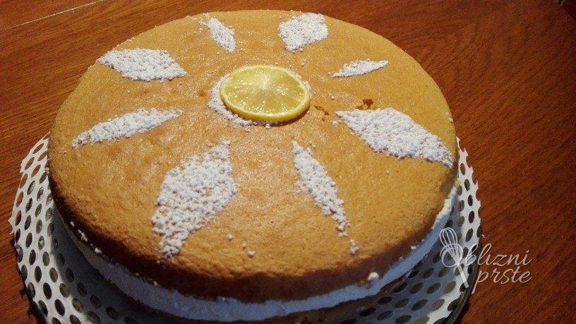 preprosta skutina torta