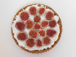 Cheesecake pita s figami brez peke