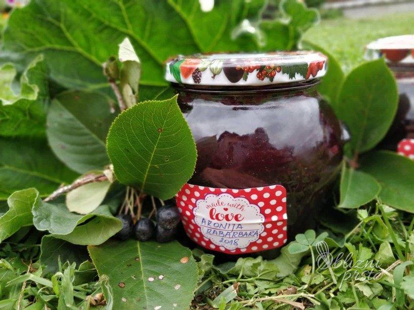 marmelada iz aronije in rabarbare
