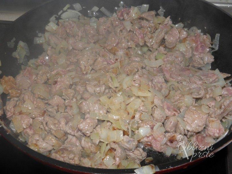 Goveji file v zelenjavni omaki 2