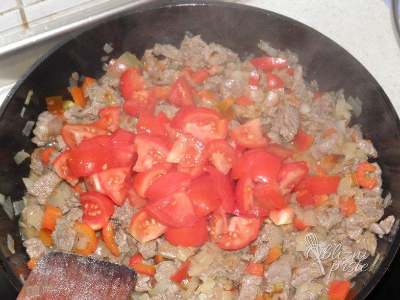 Goveji file v zelenjavni omaki 3