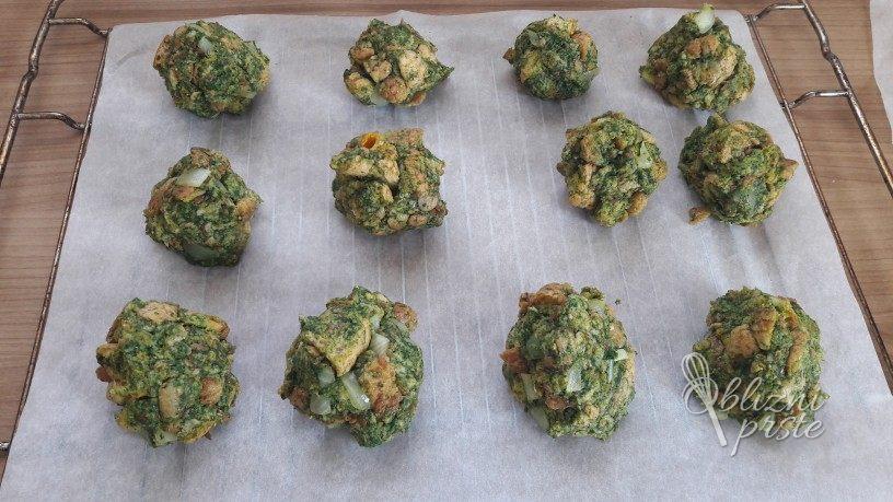 špinačni kruhovi cmoki iz pečice