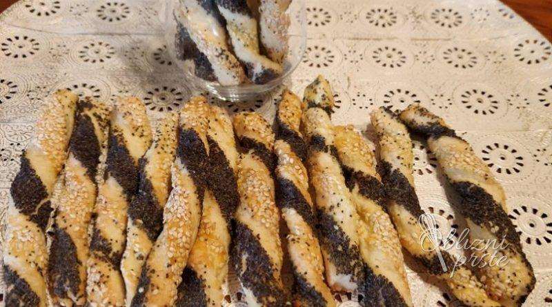 Sirove palčke z makom in sezamom – pripomočki: