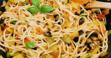 Zelenjavna omaka za špagete