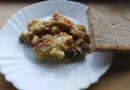 Umešana jajca s papriko in šampinjoni