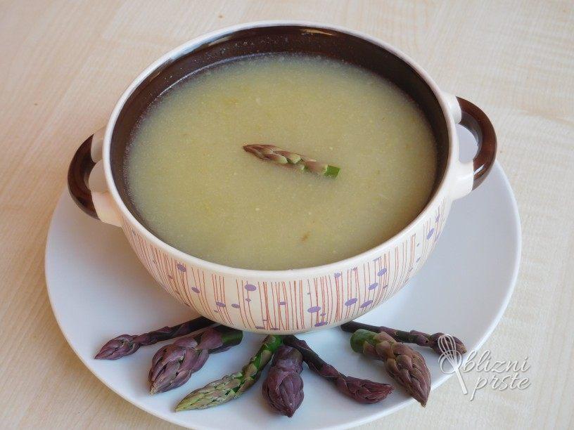 Špargljeva kremna juha s krompirjem