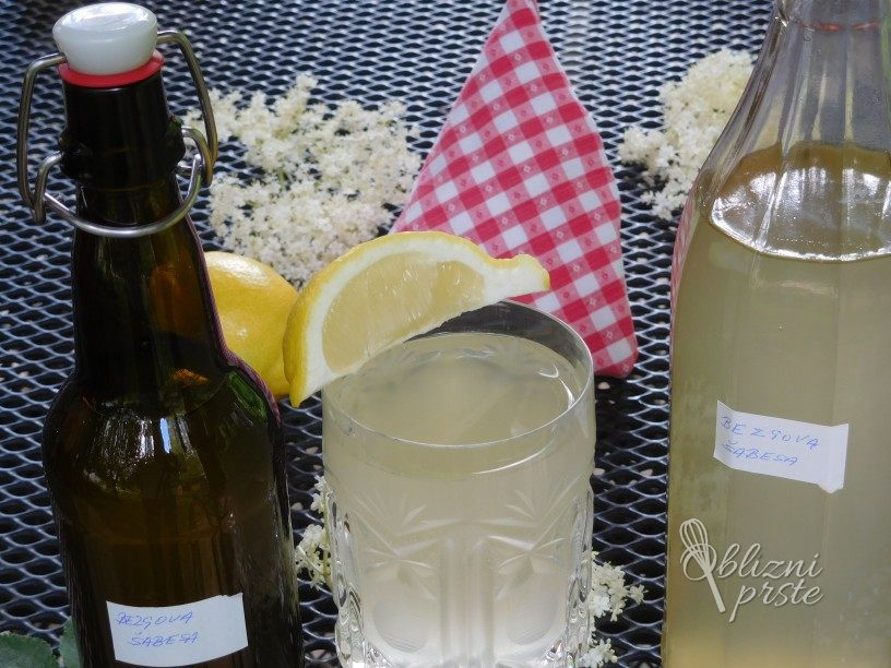 Pijača iz bezgovega cvetja (šabesa)