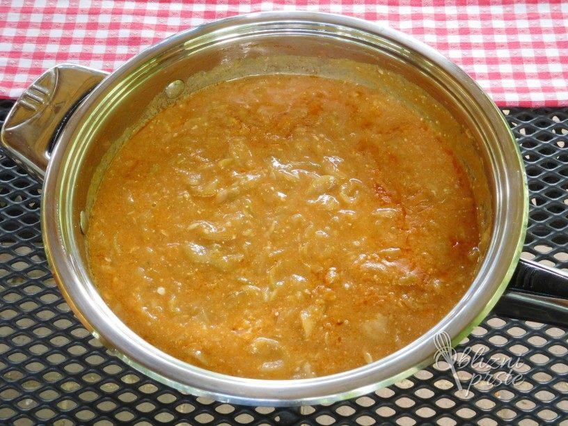 Kumare z jogurtom v omaki