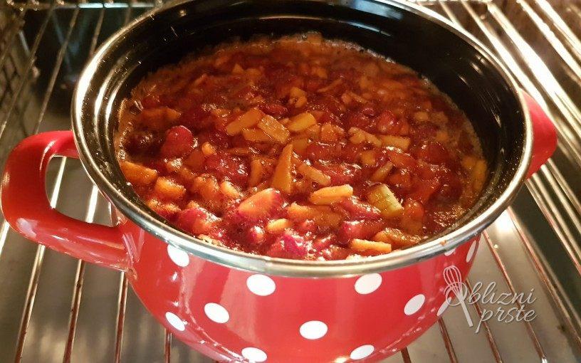 Jagodna marmelada narejena v pečici