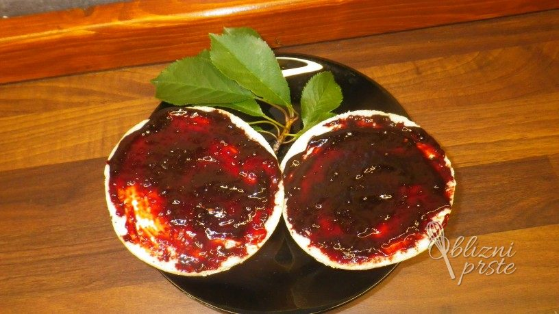 višnjeva marmelada