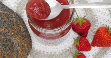 Jagodna marmelada z breskvijo