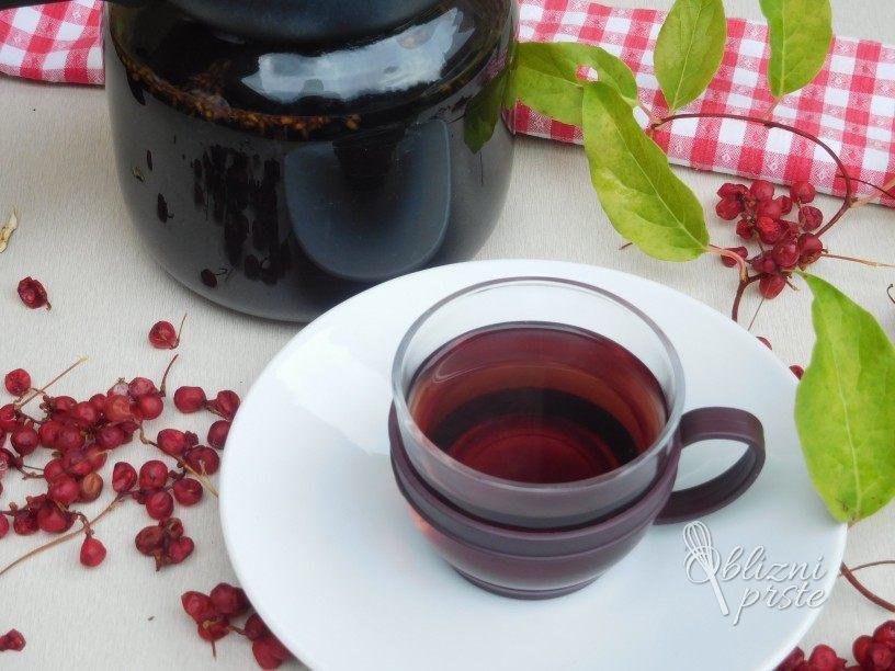 Čaj iz jagod šisandre