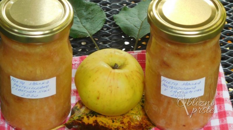 Jabolka mleta, pasterizirana v lastnem soku