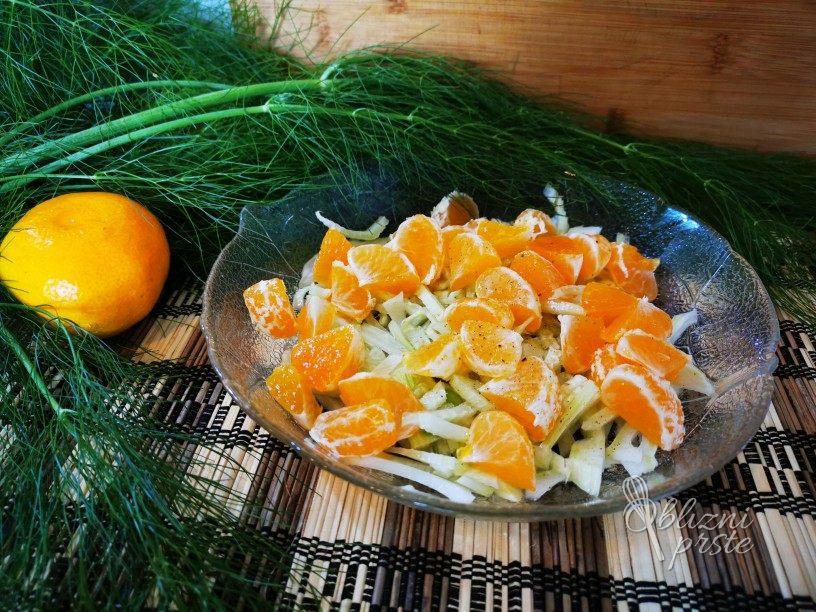 Solata iz koromača in mandarin