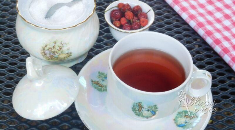 Čaj iz plodov šipka