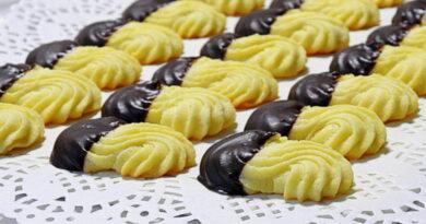 brizgani piskoti z oblivom cokolade