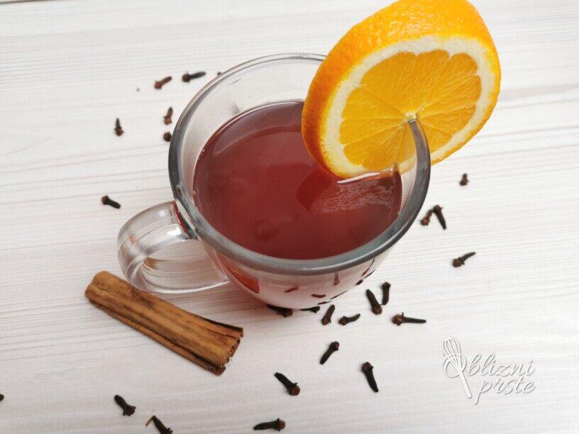 kuhano vino s pomarančo