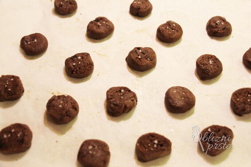 Čokoladni piškoti s soljo in mandlji