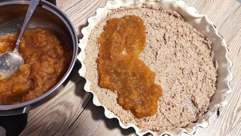 Jabolčna pita z orehi