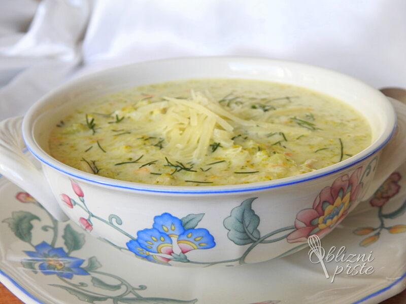kremna brokolijeva juha s sirom in piscancem