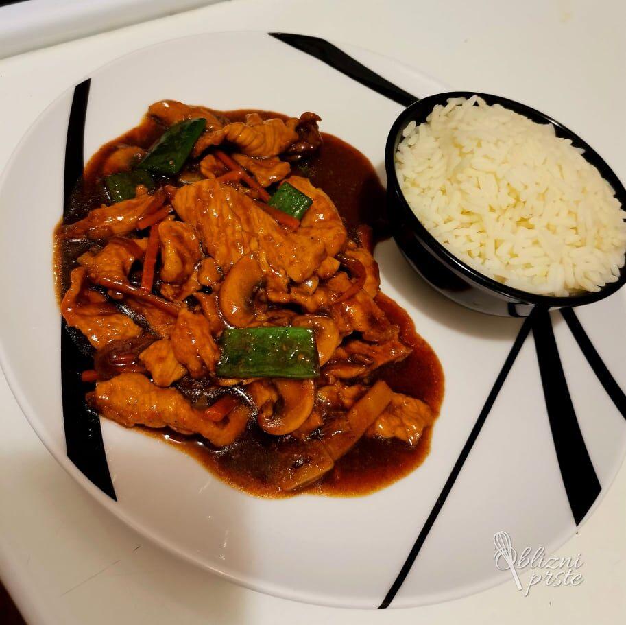 Socen kitajski vok z mesom in zelenjavo