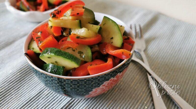 Hitro in enostavno: priloga iz bučk in paprike