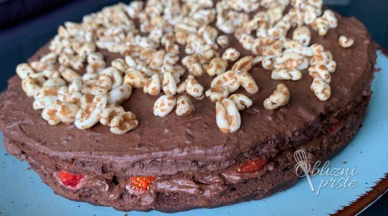 Veganska čokoladno - jagodna torta