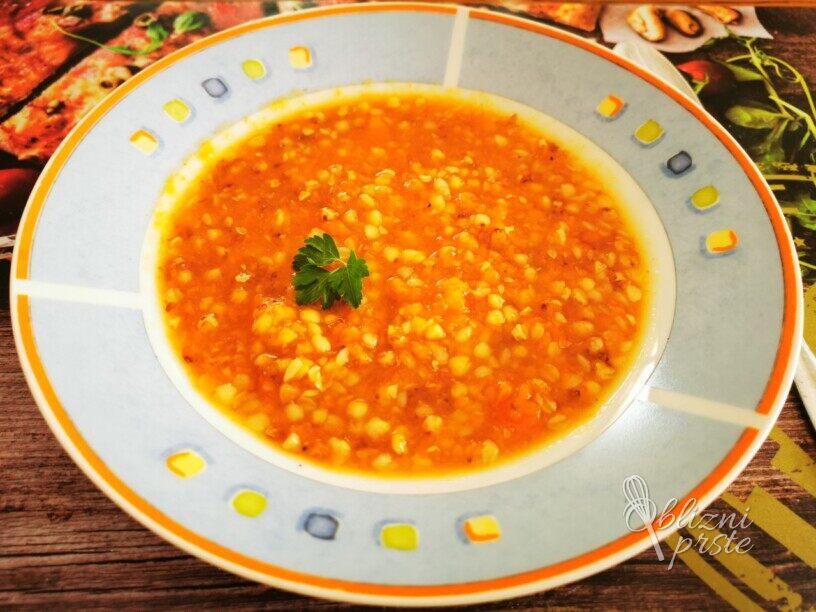 Korenčkova juha z ajdo
