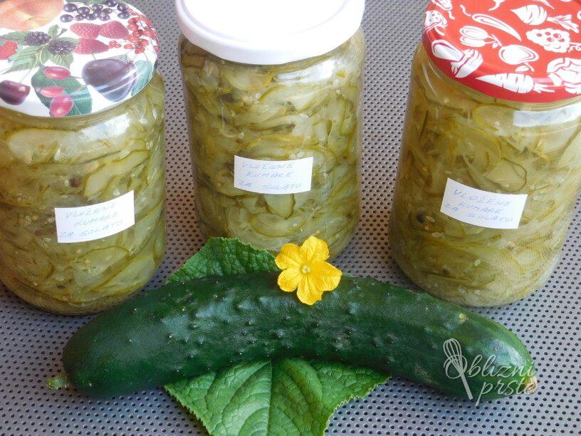 Naribane kumarice za solato, vroče polnjenje