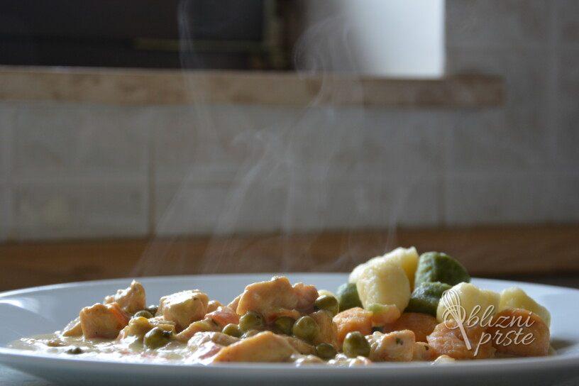 Kremni zelenjavni piščanec z prilogo
