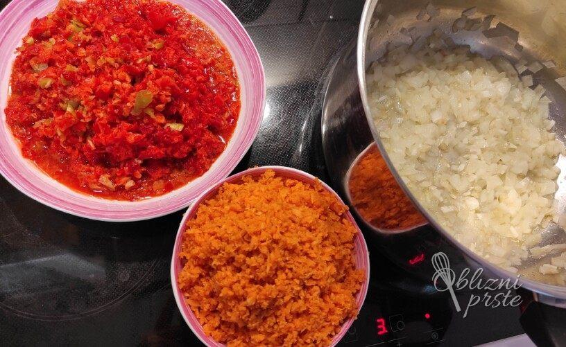 Klasična zelenjavno paradižnikova omaka za ozimnico