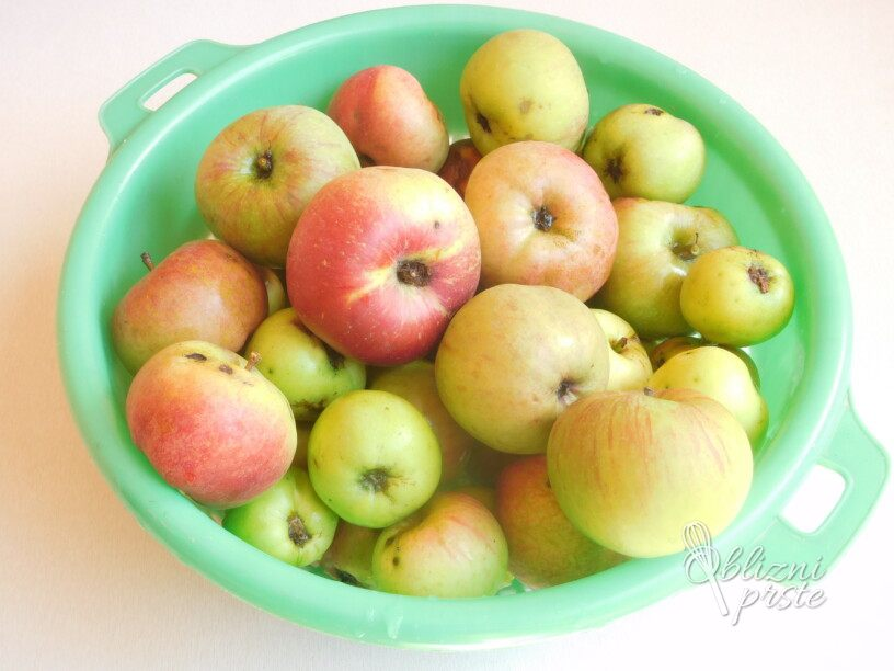 Jabolka pripravljena za zamrzovanje