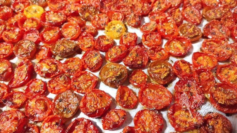 Pečeni češnjevi paradižniki v olju - za ozimnico