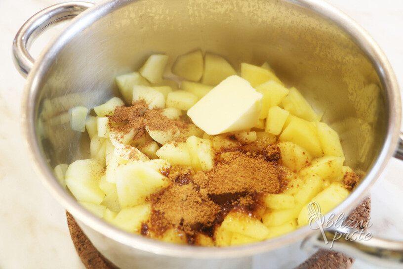 Kostanjeva omleta z dušenimi jabolki